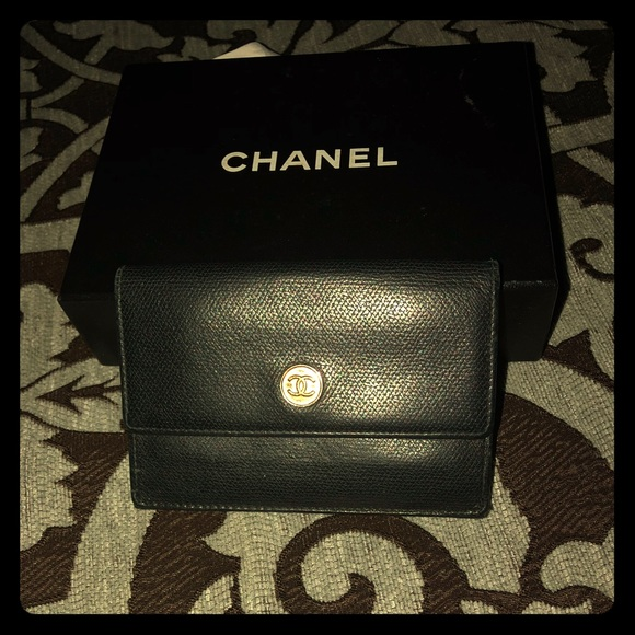 CHANEL Handbags - Chanel small card and coin wallet✨MINT condition